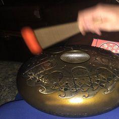 SERBATOIO DRUM handpan acciaio lingua tamburo handpan tamburo | Etsy Tambour, Diy Drums, B Minor, Instruments, Hand Drum, Metal Drum, Human Emotions, Evil Spirits, High Carbon Steel