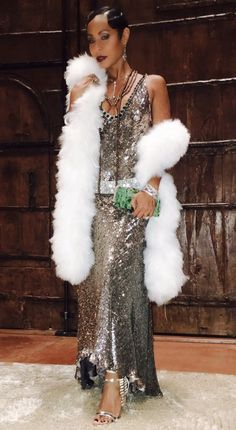 Great gatsby party dress - Kendall Jenner Was a Dazzling Daisy For Kris Jenner's Gatsby Party – Great gatsby party dress Great Gatsby Party Dress, Great Gatsby Themed Party, Gatsby Dress, Great Gatsby Outfits, 1920s Party, 1920s Dress, Harlem Renaissance Fashion, Renaissance Wedding, Vestidos