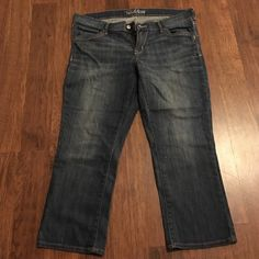 Size 16 Old Navy capris Never worn size 16 Old Navy capris. A bit below the knee. True to size little to no stretch. Front and back pockets. Old Navy Jeans