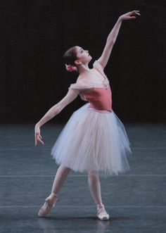 raisingthe-barre:  girl-in-a-tutu:  Kathryn Morgan  she has a very helpful youtube channel you guys should check it out