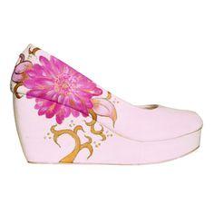 Toko Online Fashion Wanita - Jual Beli Sepatu Lukis Daisy Wedges Pink http://www.slightshop.com/produk/sepatu-lukis-daisy-wedges-pink/