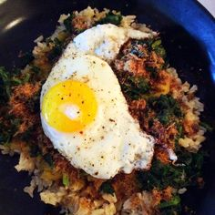 I love layering my food! Here's brown rice topped with spinach & kale topped with lentil dahl topped with shredded beef jerky (what's that? Product review coming soon on the blog) topped with a fried egg. #healthyliving #yum #foodshare #foodie #food #glutenfree #dairyfree #eatclean #health #healthychoices #fitfood #fitfam #instafood #fitspiration #fitfluential #nomnom #eeeeeats #tastefulpantry #realfood #homemade