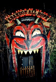 """Mouth entrance at John Dunivant's """"Theatre Bizarre"""" in Detroit. Theatre Bizarre is an annual Halloween masquerade staged in a largely abandoned residential neighborhood on the northernmost edge of Detroit - Carefully selected by GORGONIA www. Halloween Prop, Retro Halloween, Halloween Horror, Halloween 2019, Holidays Halloween, Halloween Themes, Halloween Decorations, Halloween Masquerade, Creepy Circus"""