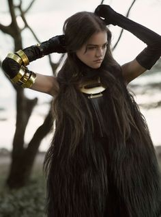 Daria Pleggenkuhle by Mark Segal for Harper's Bazaar UK Sept 2011 I like so much this dress and all production is very Grunge Goth, Ninja Goth, Mark Segal, Moda Medieval, Looks Style, My Style, Dystopian Fashion, Look Dark, Men In Black