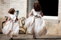 Nottingham Wedding Photography Gallery - showing Beautiful, Contemporary, Reportage Wedding Photography in Nottingham, Derbys, Leicester, Lincoln, Northampton and the UK.