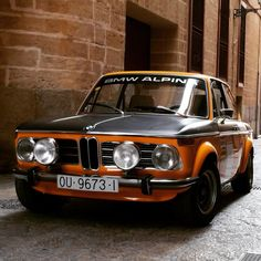 Driving a perfectly restored bmw 2002 is like living in a dream with regard to bmw 2002 classic luxury vintage cars - Awesome Indoor & Outdoor Bmw E30 M3, Suv Bmw, Bmw Alpina, Bmw Cars, Cars Vintage, Retro Cars, Retro Vintage, Bmw 2002, Automobile
