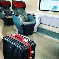 #travel #voyage #firenze #milano #train #frecciarossa #luxry #trolley #carbonfibre #carbonfiber #tecknomonster #italy #日子 #フィレンツェ #ミラノ #旅 #イタリア #カーボンファイバー #キャリーバッグ #トロリー #テクノモンスター #列車 #鉄道の旅