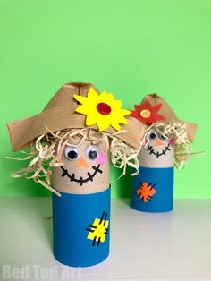 Easy Toilet Paper Roll Scarecrow for Preschool - Red Ted Art Diy Paper Crafts diy crafts using toilet paper rolls Thanksgiving Crafts For Toddlers, Easy Fall Crafts, Diy And Crafts, Recycled Crafts, Harvest Crafts For Kids, Harvest Festival Crafts, Yarn Crafts, Scarecrow Crafts, Halloween Crafts