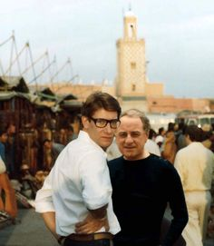 Yves Saint-Laurent and Pierre Berg, Place Jemaa El Fna, Marrakech. Yves Saint Laurent, Marrakech, Saint Laurant, Le Smoking, Celebrities Then And Now, Rive Gauche, Star Fashion, Women's Fashion, Colorful Fashion