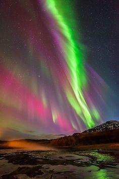Aurora  borealis show on Geyser Strokkur by Joris Kiredjian on 500px