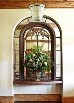French-Creole Colonial style home in Houston. Interior Design by Sandra Lucas, Architect: Robert Dame Simons Home, French Creole, Christmas Past, Christmas Ideas, Celebrating Christmas, Holiday Ideas, Mediterranean Home Decor, Tropical, Eco Friendly House