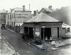 Corner of Cumberland and Little Essex Streets, The Rocks,Sydney in 1900 (showing rear of Flagstaff Hotel).