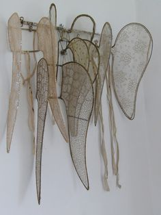 *~ Christmas ~* Victorian angel wings waiting for the holiday performance . Fairy Wings, Angel Wings, Swan Wings, Photo Ange, What A Nice Day, Vintage Accessoires, Victorian Angels, Wire Art, French Antiques