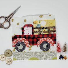 Farm Girl Vintage 2 Sew Along – Blocks 17 & 18 Baby Girl Quilts, Girls Quilts, Sewing Ideas, Sewing Projects, Sewing Patterns, Scrappy Quilts, Mini Quilts, Farm Quilt Patterns, Farm Animal Quilt