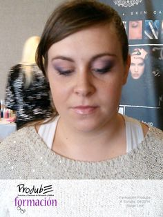 #formacionProdube - Modelo 2.  Aerografía. Stage Line Professional Make-up Sombras degradadas y primaverales. — en Hotel Attica 21.
