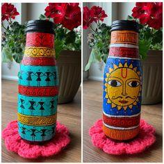 Acrylic Paint Bottles, Painted Glass Bottles, Bottle Painting, Bottle Art, Bottle Crafts, Madhubani Art, Madhubani Painting, Painted Spoons, Hand Painted
