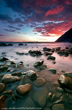 Stones / Mirko Rubaltelli /Canon 50D / Sigma 10-20 / 10mm / 2 sec / f18 / ISO 100