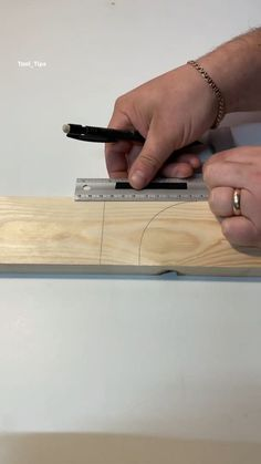 Woodworking Ideas Table, Cool Woodworking Projects, Woodworking Joints, Woodworking Techniques, Woodworking Crafts, Woodworking Plans, Wood Joints, Small Wood Projects, Ideias Diy