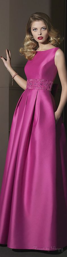 Dress formal elegant rosa clara Ideas for 2019 Beauty And Fashion, Pink Fashion, Dress Fashion, Beautiful Gowns, Beautiful Outfits, Elegant Dresses, Pretty Dresses, Bridesmaid Dresses, Prom Dresses