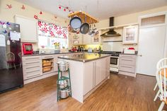 Silverdale Road, Eastbourne - 5 bedroom detached house - Fox & Sons