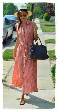 Miranda Kerr Street Style Snapshot - Get Garden Party Pretty | Miranda Kerr Street Style Snapshot - Get Garden Party Pretty Miranda Kerr blurs the line between feminine and sexy so effortlessly, as demonstrated here in a flowing maxi dress. A printed maxi dress gets a vintage vibe when paired with oversize shades and a fedora.