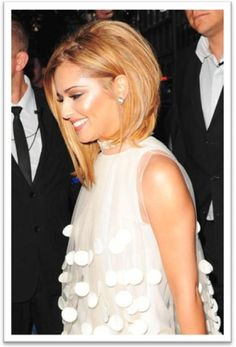 Cheryl Cole Recently Showed Off A New G Eous Long Blonde Bob While Design 434x639 Pixel
