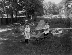 "https://flic.kr/p/928Njo | Mrs. Gordon's boys, Montreal, QC, 1906 | II-161107-P1 <em>Mrs. Gordon's boys, Montreal, QC, 1906</em> Wm. Notman & Son 1906, 20th century <a href=""http://www.musee-mccord.qc.ca/en/keys/collections/"" rel=""nofollow""><strong>Notman photographic Archives - McCord Museum</strong></a>  II-161107-P1 <em>Les garçons de Mme Gordon, Montréal, QC, 1906</em> Wm. Notman & Son 1906, 20e siècle <a href=""http://www.musee-mccord.qc.ca/fr/clefs/collections/"" ..."