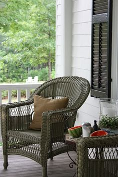 I like the color of the wicker furniture