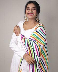 Neck Designs For Suits, Kurti Neck Designs, Ladies Suits Indian, Suits For Women, Punjabi Fashion, Indian Fashion, Pakistani Outfits, Indian Outfits, Patiyala Dress