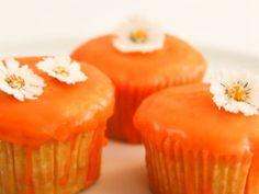DAS Grundrezept für Thermomix Muffins. Könnt ihr beliebig mit Obst variieren und funktioniert immer. ILUVIT. http://www.meinesvenja.de/2011/09/27/muffins-fuers-damenkraenzchen/