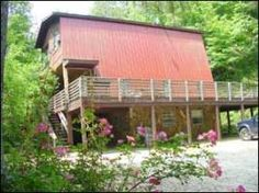 Vacation homes for large families and groups, or small cottages at economy prices. Fully equipped kitchens, Charcoal grills, AC, Satellite TV, Washer/Dryer. Fireplaces available. Nantahala River rafting, gemstone mining or horseback riding available in combination with the lodging. Convenient to all attractions.