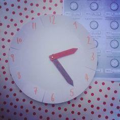 Over de klok leren lezen - Mme Zsazsa vertelt