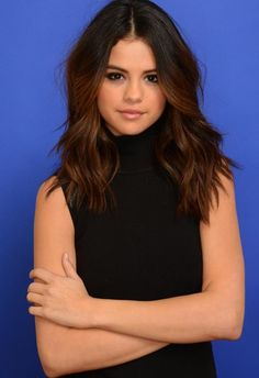 Selena Gomez Hairstyles – 20 Best Hair Ideas For Thick Hair