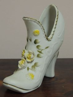 Vintage TOMA Porcelain Victorian Boot-Shoe Yellow Flowers Taiwan