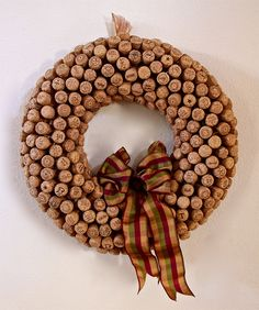 Champagne Cork Wreath for Thanksgiving...not like I am feeling motivated to make this, but really to just help someone make it for me, by promising to consume that much champagne...lol!