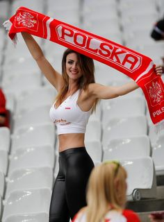 THE action is hotting up at Euro 2016 — at least off the pitch. Temperatures were sent sky-high by these sexy soccer fans flaunting their curves. A Russian supporter in tight pink shorts and a patr… Hot Football Fans, Football Girls, Soccer Fans, Female Football, Hot Girls, Hot Fan, Looks Pinterest, Russia 2018, Nfl Cheerleaders