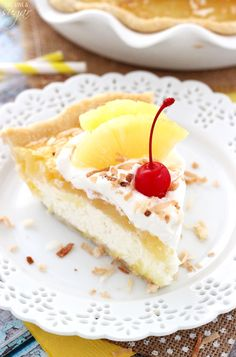 Pina Colada Pie - a light, mousse-like coconut filling with a pineapple topping and whipped cream! To die for! Coconut Desserts, Just Desserts, Delicious Desserts, Dessert Recipes, Coconut Frosting, Yummy Food, Coconut Pineapple Cake, Pineapple Top, Custard Cookies