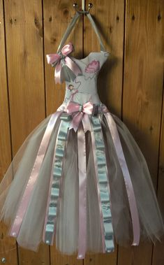 Sponkovníček baletky / Zboží prodejce stefanyz | Fler.cz Girls Dresses, Flower Girl Dresses, Victorian, Wedding Dresses, Fashion, Dresses Of Girls, Bride Dresses, Moda, Bridal Gowns