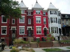 Washington DC...love these homes...but I've never seen bigger rats in my life (in the gardens)