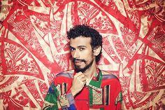 O terceiro àlbum do paraense, que tem produção estrelada assinada por Kassin e Carlos Eduardo Miranda, traz um pouco de sua terra, é verdade, mas também cultua São Paulo e toda sua influência urbana e cosmopolita.