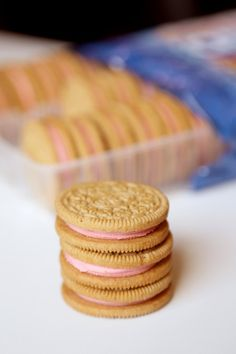 We Tried the New Strawberry Shortcake Oreos and Lived to Tell the Tale