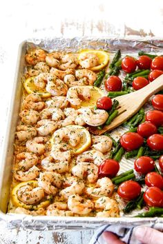 Sheet Pan Shrimp Scampi with Asparagus and Tomatoes Shrimp Scampi Without Wine, Shrimp Scampi Pasta, Scampi Sauce, Scampi Recipe, Healthy Dishes, Easy Healthy Dinners, Healthy Recipes, Easy Dinners, Healthy Foods