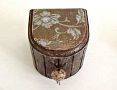 Small Shabby Chic Ring Box by PatBarnes on Etsy, $15.00