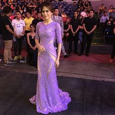 """""""The finale couture gown of TONI GONZAGA by Michael Cinco at the 2015 Bb. Pilipinas... @celestinegonzaga #bbpilipinas #tonigonzaga #michaelcinco #couture…"""""""