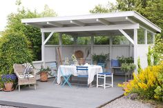 Hitta rätt kulör till din terrass - Jotun e-magasin Backyard Gazebo, Deck With Pergola, Patio, Bbq Area, Outdoor Furniture Sets, Outdoor Decor, Pool Houses, Dream Garden, Garden Landscaping