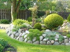 Rockery Garden, Garden Edging, Landscaping A Slope, Landscaping With Rocks, Front Yard Design, Landscape Walls, Garden Styles, Walled Garden, Garden Inspiration