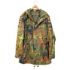 Vintage 80s Army Coat German Army Parka Military Coat Green Camouflage... ($85) ❤ liked on Polyvore featuring outerwear, coats, army green coat, camo coat, hooded parka, army coat and oversized coat