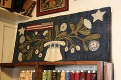 Uncle Sam's Hat.  Another wonderful rug by Polly Minick!  I'm such a fan!!!!!