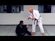 A Jedi Mind Trick for Passing the Guard Stephan Kesting | grapplearts.com