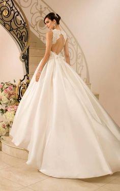 vestidos de novia con cola larga confeccionado en satin y encaje ...